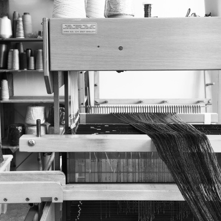 Dressing the loom