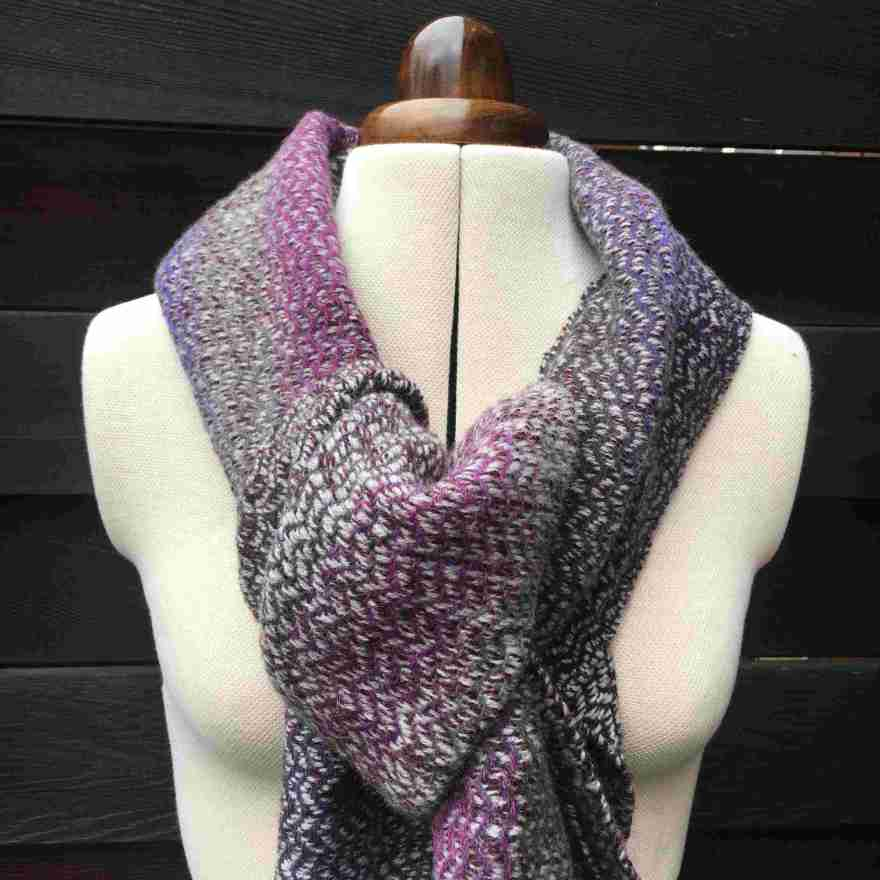 Handwoven scarf in pink and grey