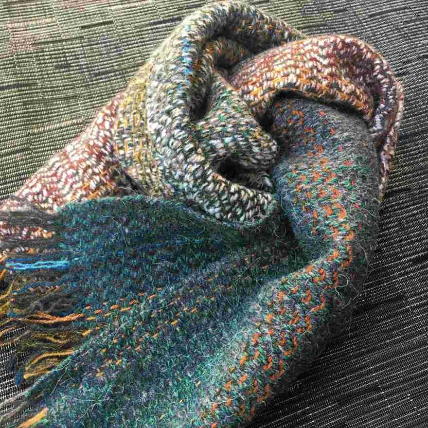 Handwoven short green scarf
