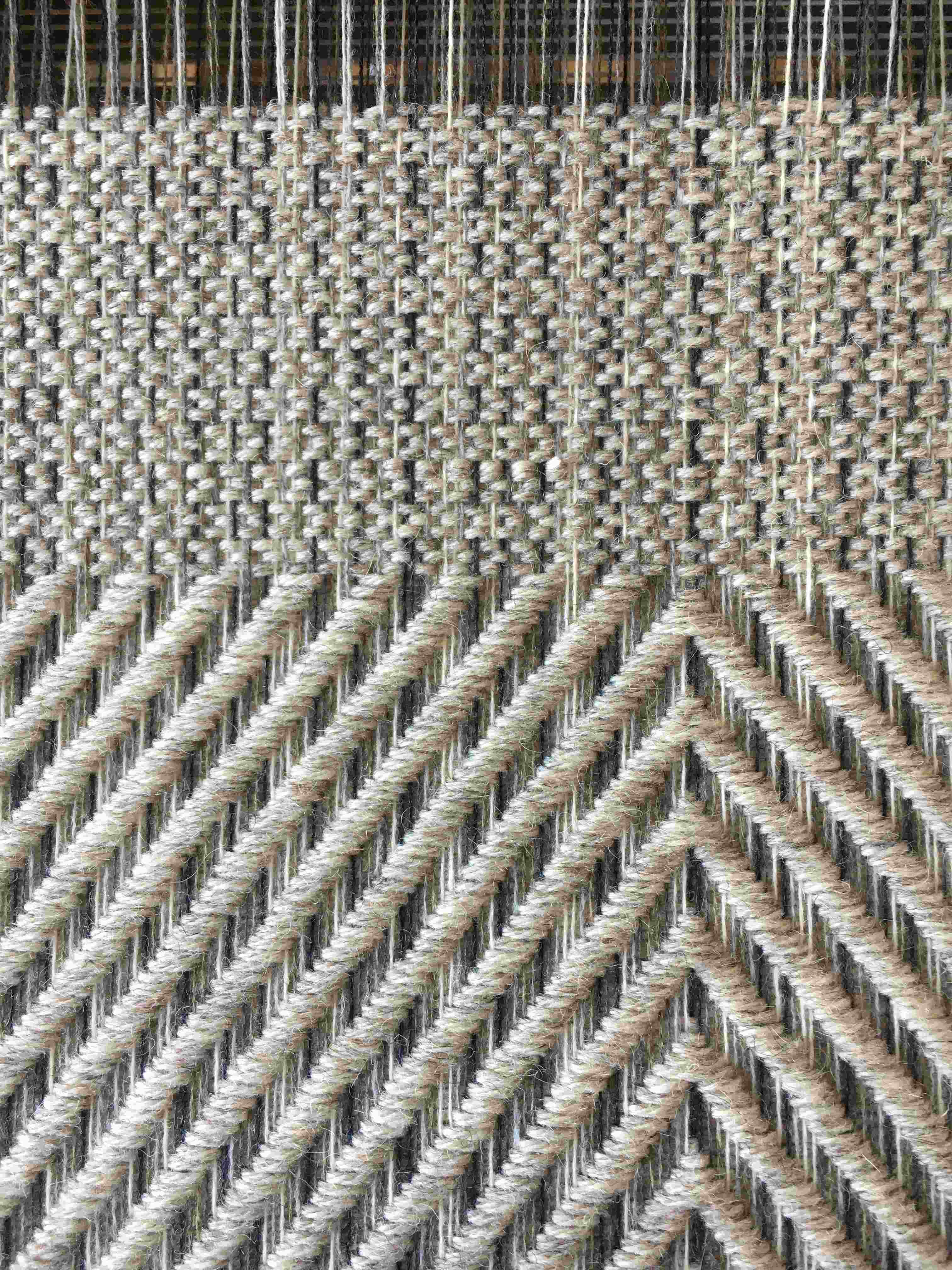 Cushion fabric on the loom