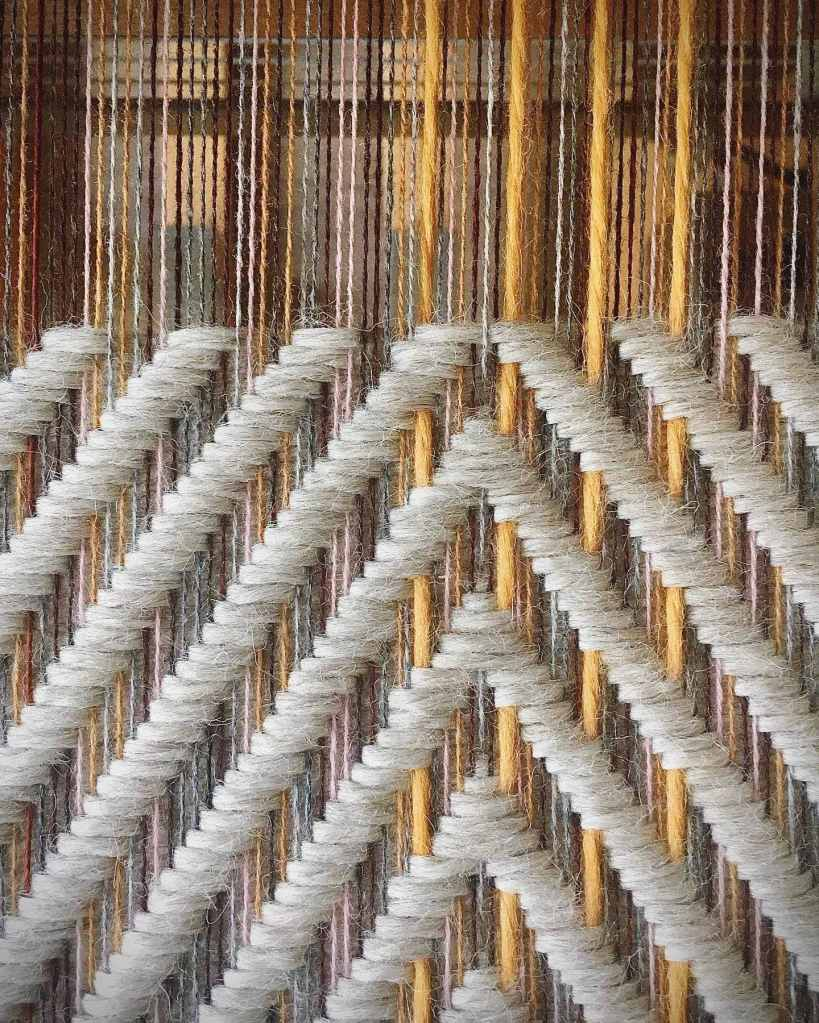 Geometric cushion fabric